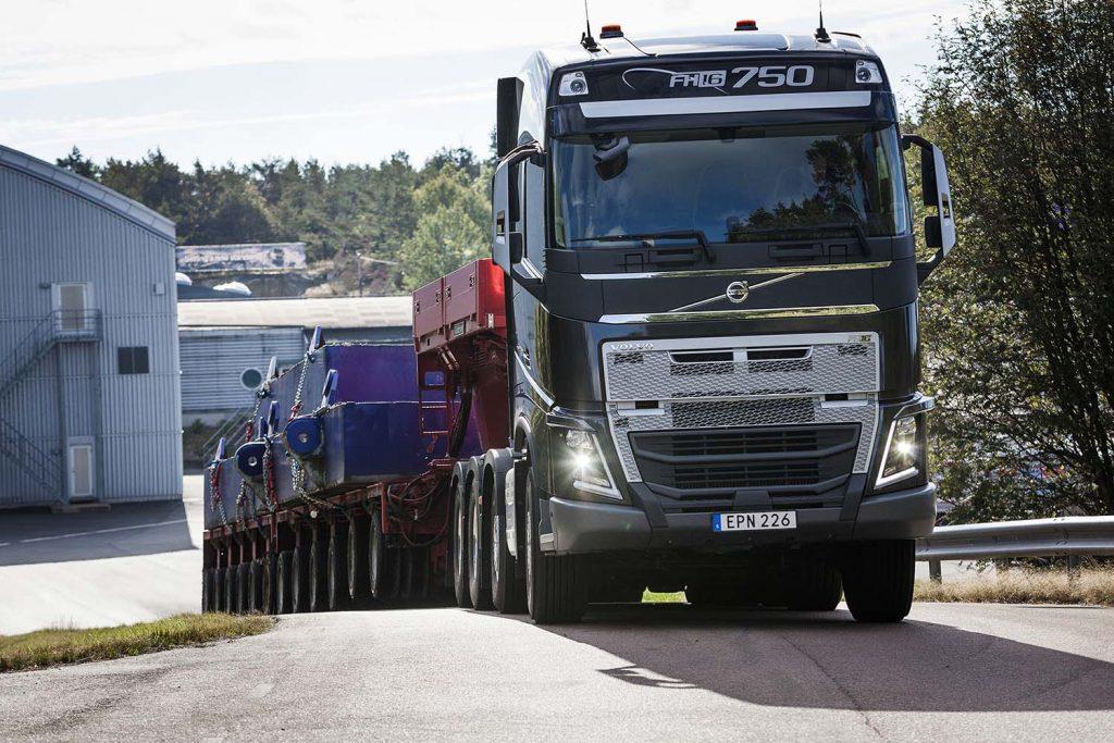 Volvo aduce în premieră o transmisie I-Shift cu trepte de forță