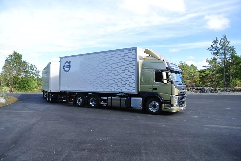 UNTRR susține că tarifele RCA pentru camioane au crescut