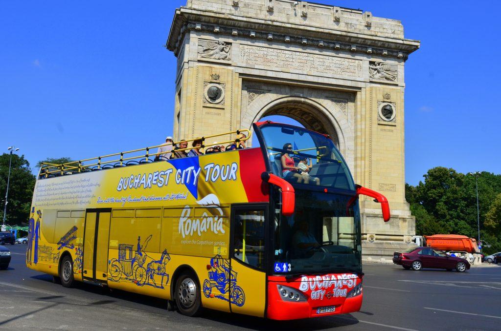 RATB reintroduce traseul turistic Bucharest City Tour