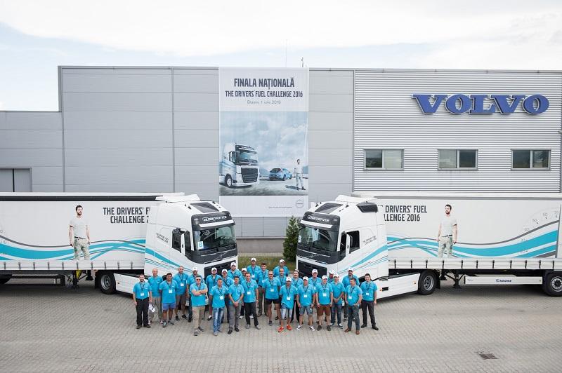 """Volvo Trucks România a premiat cel mai eficient şofer la finala naţională a competiţiei """"The Drivers' Fuel Challenge 2016"""""""