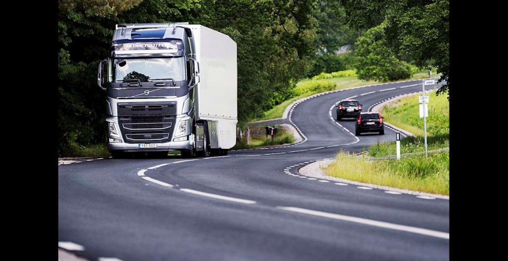 Lanțul cinematic îmbunătățit oferit de Volvo Trucks este acum mai performant și mai economic