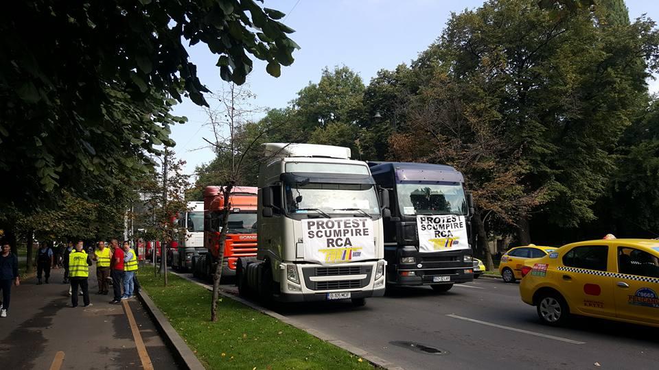 Patronatele din transporturile rutiere solicită publicarea cât mai rapită a Hotărârii privind stabilirea tarifelor de primă maxime RCA în Monitorul Oficial