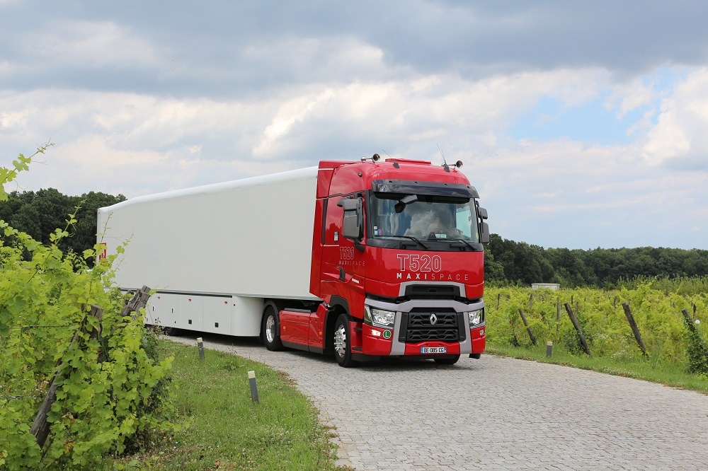 VIDEO – Test cu Renault Trucks T520 Maxispace
