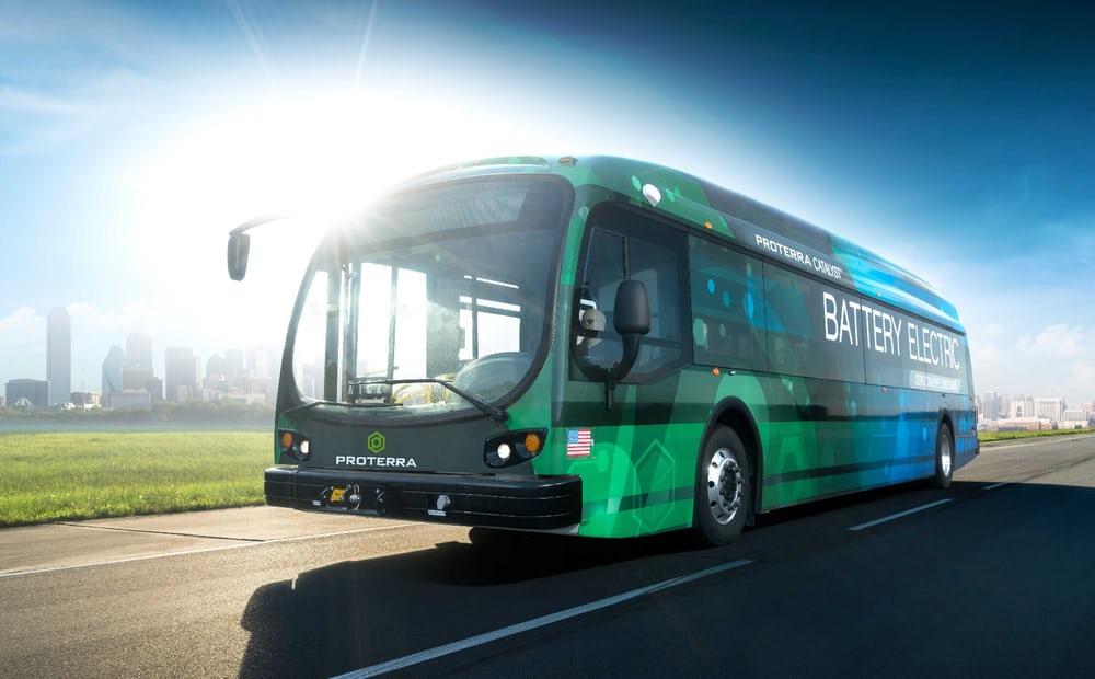 Primul autobuz electric care a mers aproape 1.000 kilometri