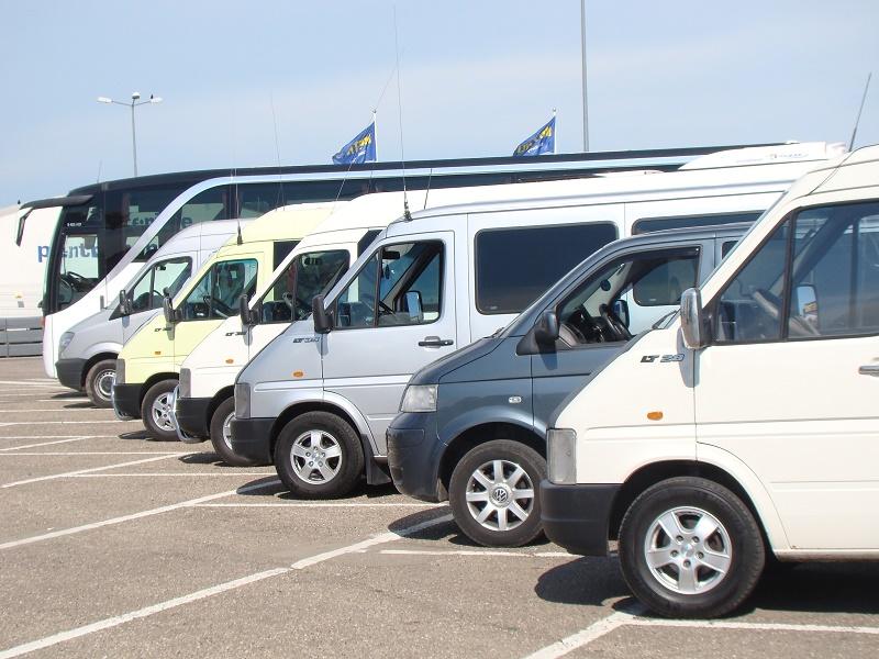 Touroperatorii contestă un ordin al Ministerului Transporturilor care modifică organizarea transporturilor rutiere