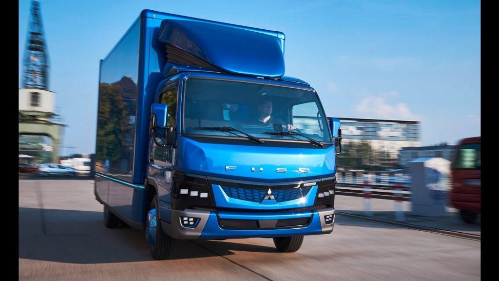 Daimler demarează producția FUSO eCanter – primul autocamion ușor complet electric