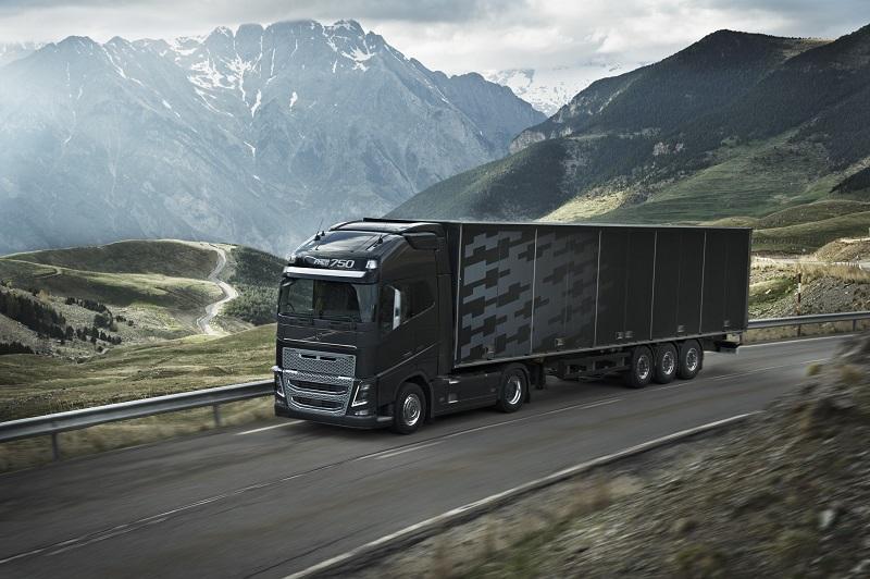 UNTRR solicită autorităţilor soluţii pentru dezvoltarea industriei de transport rutier
