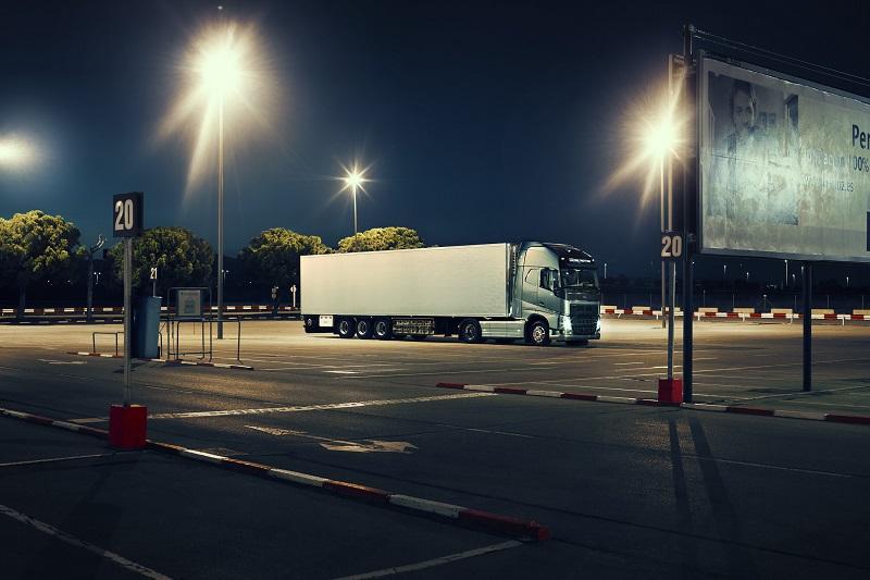 Noul sistem de baterii Volvo Trucks asigură un confort mai bun şoferului