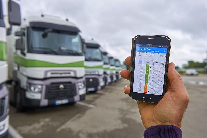 Renault Trucks lansează o nouă versiune Optifleet