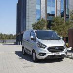 Ford prezintă versiunea de serie a noului Transit Custom Plug-in Hybrid Electric Vehicle