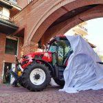 Începe producția de serie a primului tractor 100% românesc