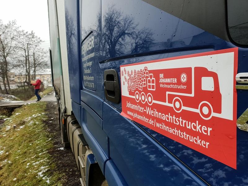 Weihnachtstrucker 2018: un convoi format din 28 de camioane a adus peste 33000 de cadouri familiilor nevoiașe din satele românești