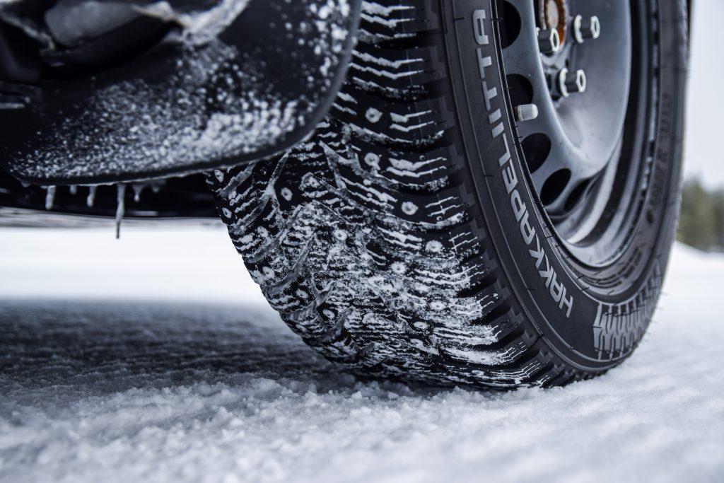 Merită să investim în anvelopele de iarnă?