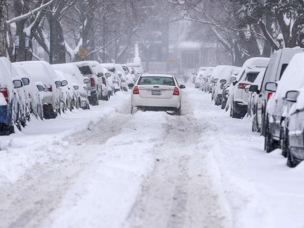 De ce nu ar trebui să folosești anvelope de vară pe timpul iernii